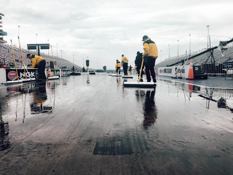 Rain pushes NHRA Carolina Nationals finals to Monday